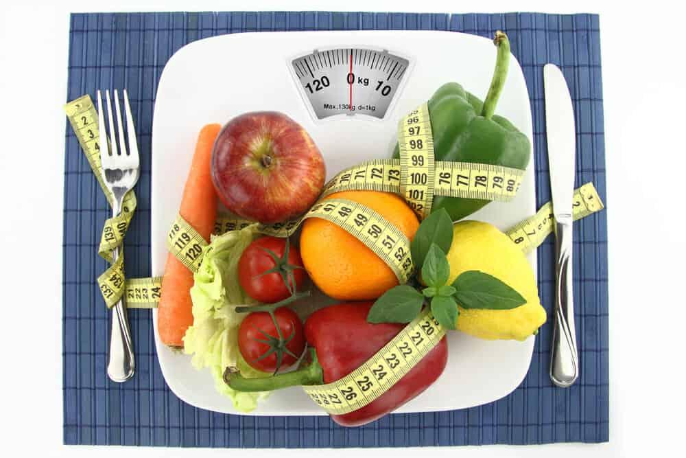Λαχανικά και φρούτα στο πιάτο σας με ένα εκατοστό